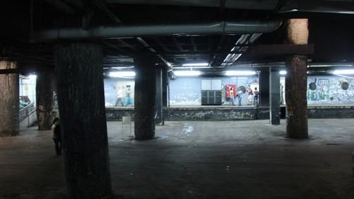 מעברים תת קרקעיים בדיזנגוף סנטר. צילום: רון הנזל