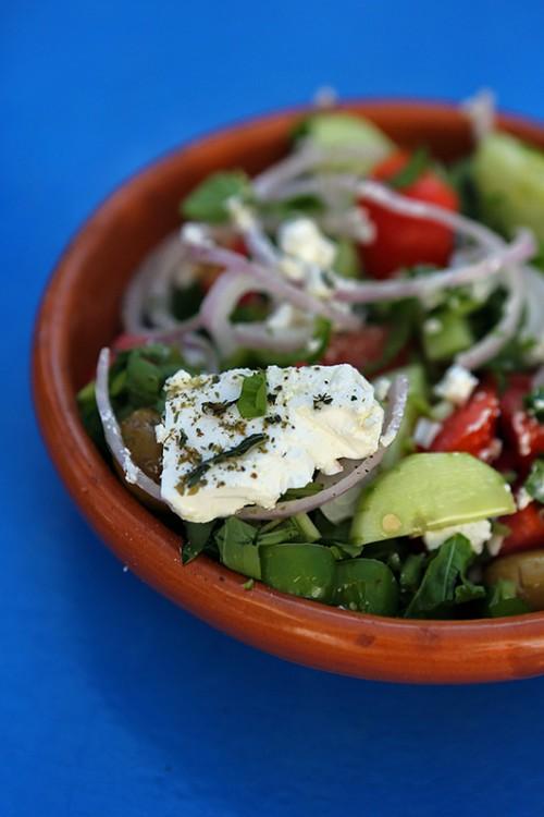 סלט יווני במסעדה של קוסטה. צילום: עודד וגנשטיין