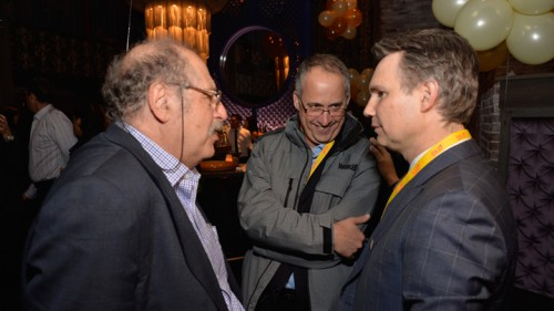 גיא רולניק (במרכז)