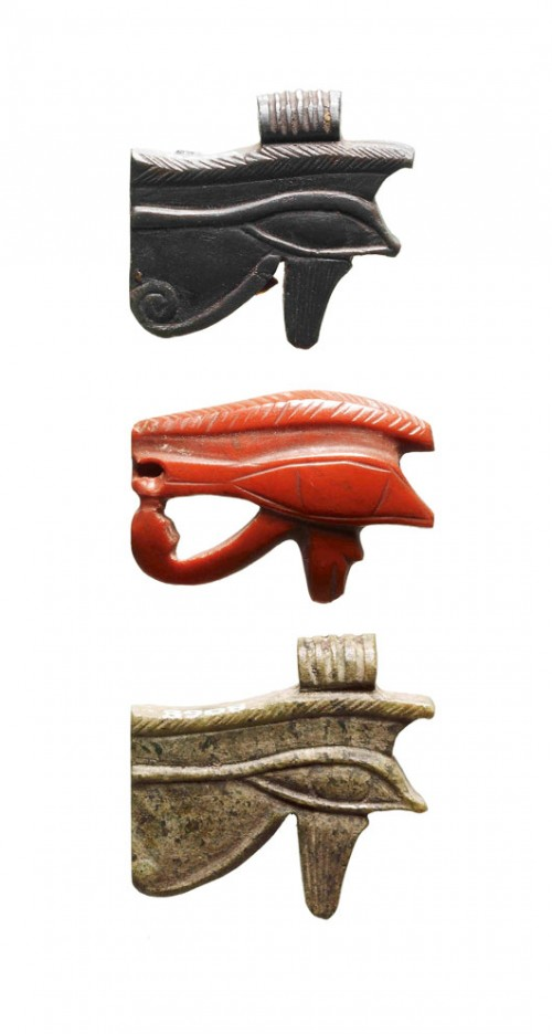קמיעות שהונחו על המומיותצילום: המוזיאון הבריטי