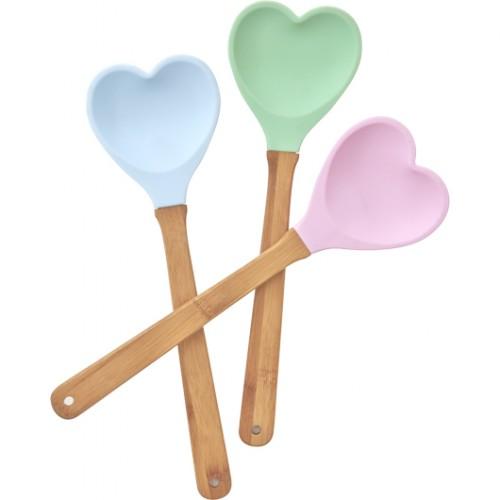 """כפות סיליקון בצורת לב. צילום: יח""""צ"""