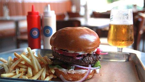 America Burger.צילום: זיו ממון