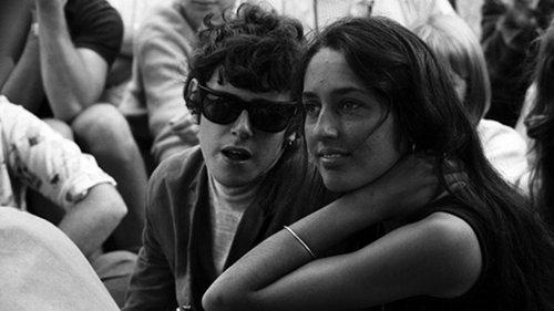 דונובן עם ג'ון באאז בסיקסטיז. צילום: Gettyimages