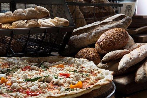 פיצה של הגלוטרייה (צילום: מיכל רביבו)