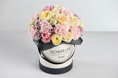 """סידור פרחים של פלאוור לאב, 350 ש""""ח"""