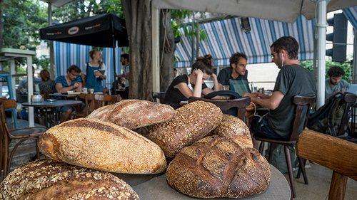 נחמה לחם וחצי (צילום: אנטולי מיכאלו)