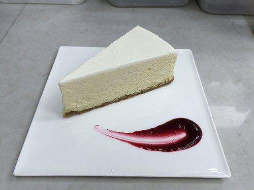 """עוגת גבינה בנורמן. צילום: יח""""צ"""