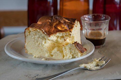 עוגת גבינה של קפה פאול'ס. צילום: אנטולי מיכאלו