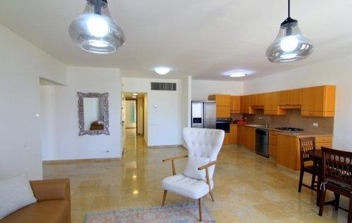 דירה בגבעת אנדרומדה. צילום באדיבות Su Casa TLV