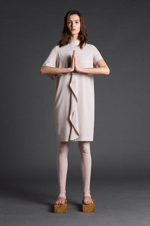 שמלה של מאיה נגרי. צילום: יריב פיין וגיא כושי