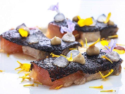 Round Tables: מנת לחי חזיר של השף Diego Muñoz