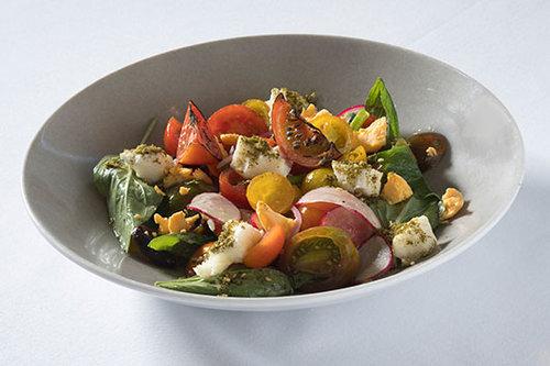 סלט עגבניות, הרברט סמואל. צילום: אנטולי מיכאלו