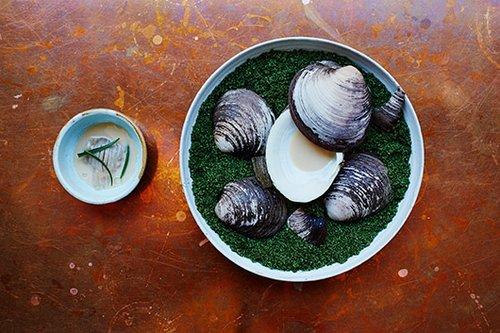 Round Tables: מנה ממסעדת Taller בקופנהגן. צילום: Rasmus Malmstrøm