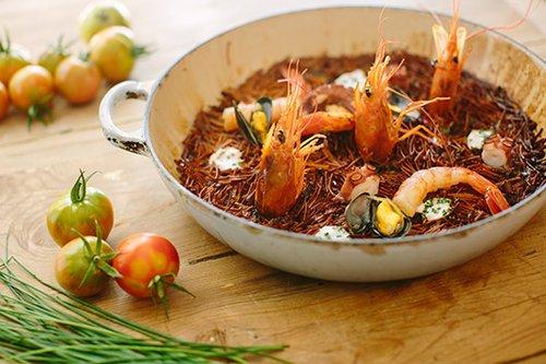 Round Tables: פאייה של פירות ים. מנה ממסעדת TRICICLO