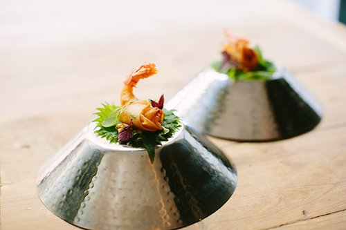 Round Tables: פרימפס עם סישו ומנגו. מנה ממסעדת TRICICLO