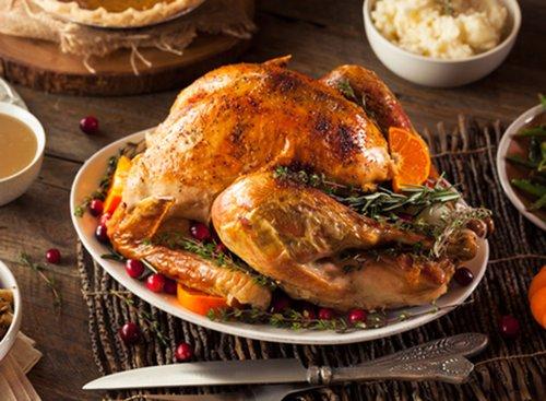תרנגול הודו כמיטב המסורת. חוגגים את חג ההודיה במייק'ס פלייס. צילום: שאטרסטוק