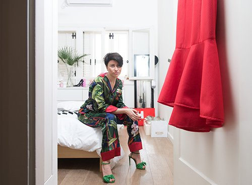 רוזה סיניסקי בדירתה. צילום: נמרוד סונדרס