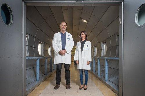 """לא, זה לא אומר שקטמין זה סם לגיטימי מחוץ לבית החולים. ד""""ר מאיה בליין־כהן וד""""ר חגי שרון. צילום: נמרוד סונדרס"""