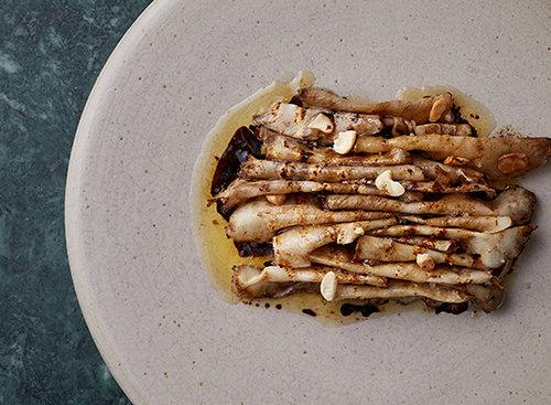 ארטישוק ירושלמי צלוי עם חמאה חומה.צילם: מתן כץ