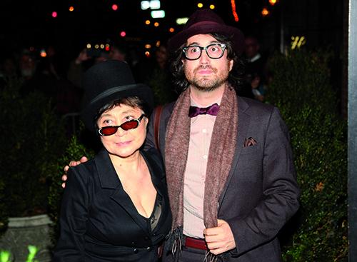 הוא הפיק, היא תרמה את הצרחות. שון לנון ויוקו אונו (צילום: GettyImages)
