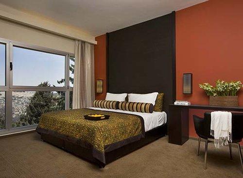 מלון דן בוטיק ירושלים. חדר דלוקס עם נוף לעיר העתיקה. צילום: מתן דביר
