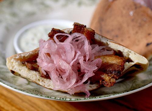 שווארמה חזיר, הבסטה. צילום: רן בירן