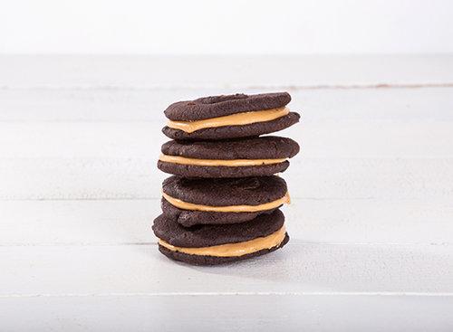 עוגיות סנדוויץ' שוקולד וחמאת בוטנים, seeds. צילום: שרית גופן