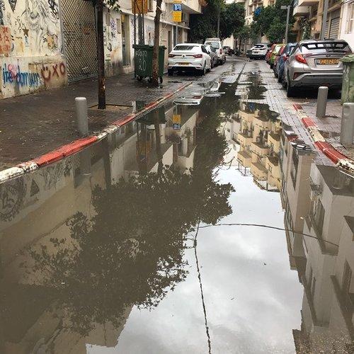 וזה עוד מצב טוב. רחוב קורדוברו אחרי הגשם