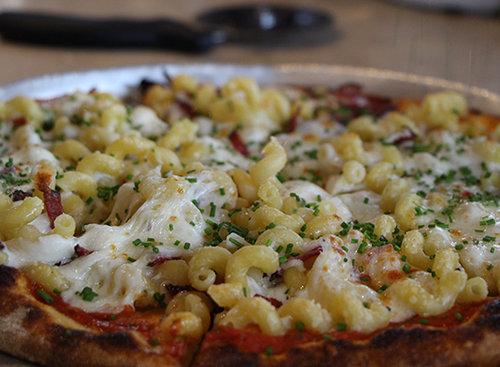 פיצה מק אנד צ'יז, סילו. צילום: גל קולוג