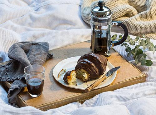 קרואסון במילוי שוקולד, מאפיית לחמים. צילום: איתיאל ציון