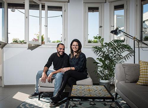 בדירה של ליאת אליאב ועופר קבילו. צילום: הילה עידו