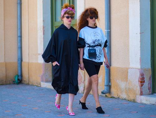 דניאלה ואלונה צור בשבוע האופנה 2018. צילום: אסף ליברפרוינד