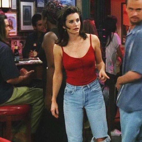 """מאם ג'ינס, המקורי! מוניקה גלר מ""""חברים"""". צילום מסך"""