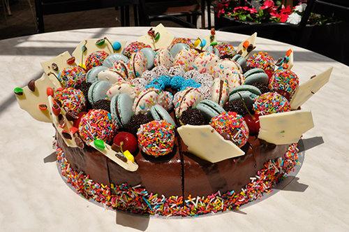 עוגת יום הולדת של מגיזנו. צילום: יולי כתאין מאירי
