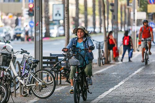 אופניים חשמליים (צילום: שלומי יוסף)