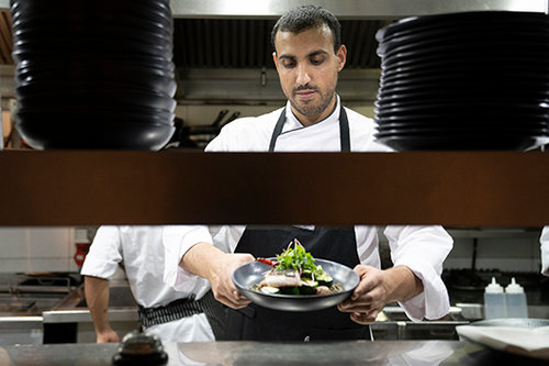 אילן מזרחי במסעדת דקא. צילום: אנטולי מיכאלו