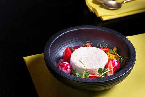 מוס גבינה ויסמין בניטן תאי (צילום: דרור עינב)