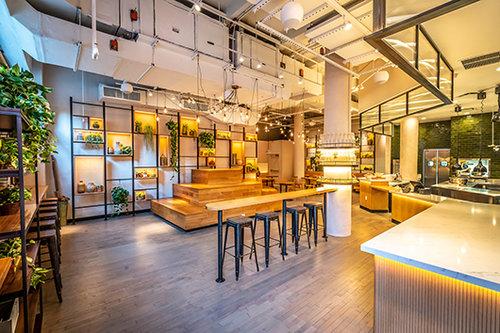 מסעדת Mint Kitchen של ארז קומרובסקי (צילום: Noah Fecks)